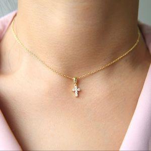 ✨Tiny Cross Diamond Cz Necklace✨